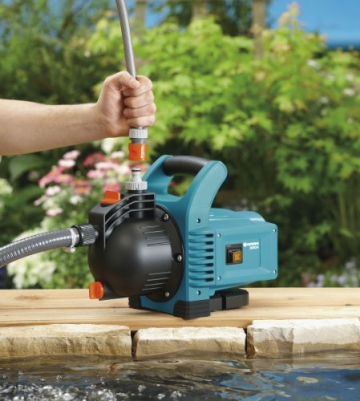 GARDENA Gartenpumpe Classic 3000/4: Bewässerungspumpe für den Einsatz im Freien, mit 3100 l/h Fördermenge, geräuscharm und langlebig, mit Wasser-Ablassschraube, wartungsfrei, hohe Saugkraft (1707-20) - 5